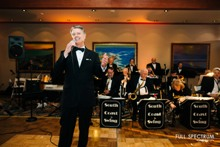 Big band entertainer